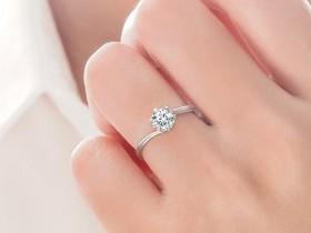 在龙泉驿十陵选戒指,铂金和k金哪个好?