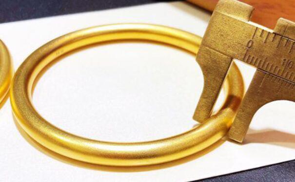 不同品牌的黄金首饰价格为什么差距比较大?