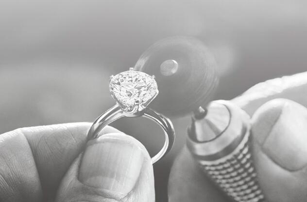 哪个品牌的戒指可以镶嵌自己的钻石?