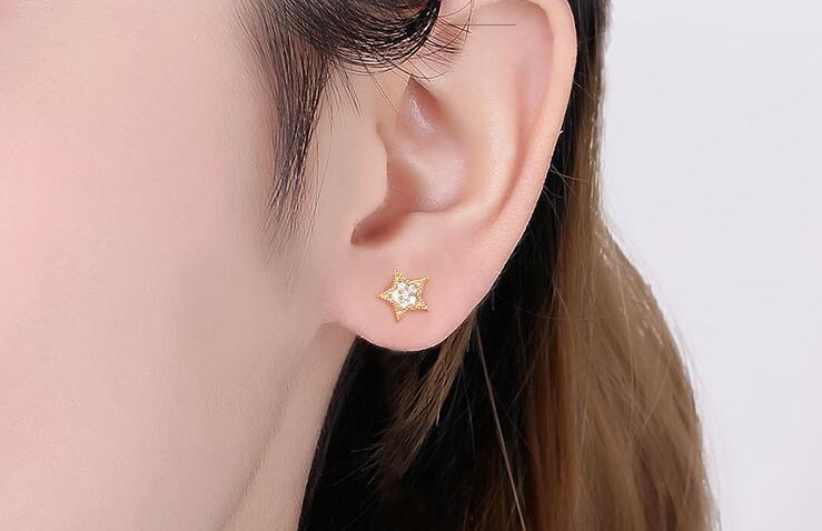 钻石耳钉和铂金耳钉的清洗方法