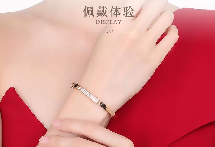 选购钻石手链的标准和注意事项分别有哪些?