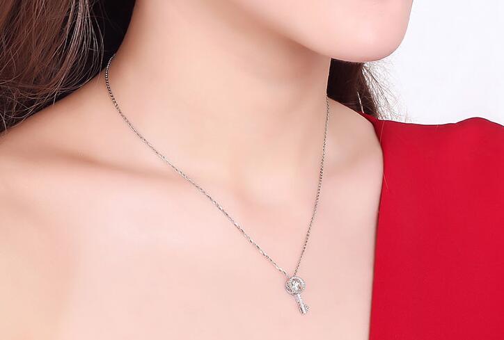 钻石项链多少钱和什么有关,30分钻石项链多少钱?