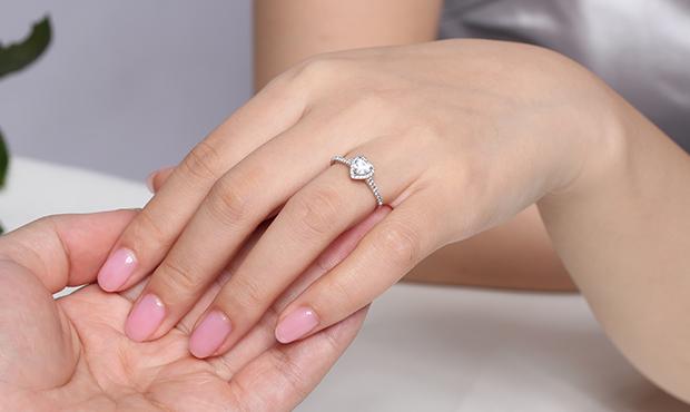 达州珠宝定制哪家好,珠宝首饰定制的方法